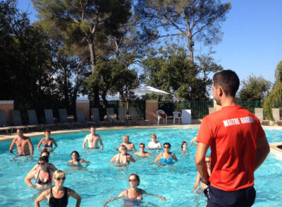 Hyères Aquatic gebied verwarmd zwembad Animatie aquagym