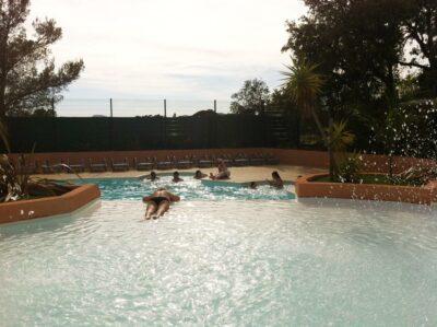 Camping Hyères Beach verwarmde zwembaden Vakantie ontspanning