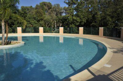 Hyères weekend verwarmde zwembaden familie met vrienden