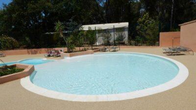 Camping verwarmd zwembad Solarium ontspanning Spa