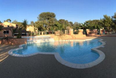 Camping Waterpark verwarmde zwembaden Vakantie ontspanning