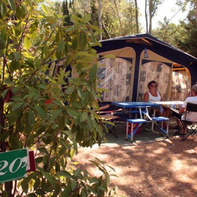 Staanplaatsen 'Comfort' – tenten, caravans & campers