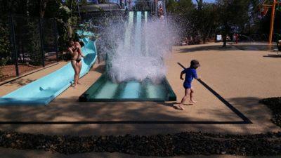 Waterglijbaan waterspelletjes verwarmd zwembad
