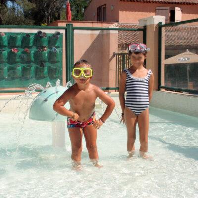 Camping Hyères verwarmd zwembad verwarmd kinderzwembad Kindervakanties