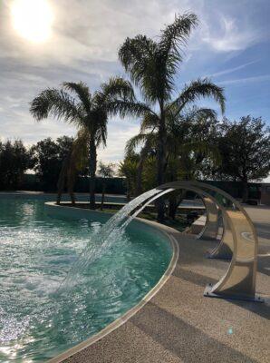 Verwarmd zwembad Waterfall vakantie ontspanning