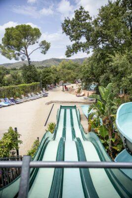 Verwarmde zwembaden waterspelletjes familievakanties