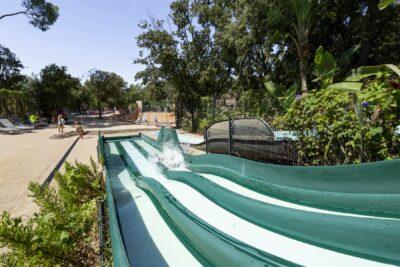 Zwembad glijbaan familie waterpark Animatie