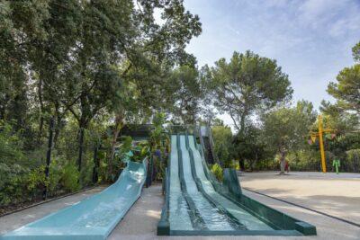 Zwembad waterglijbaan Kinderwaterspelletjes Vakantie