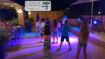 Camping Hyères Animatie s'avonds dansen vakantie met vrienden