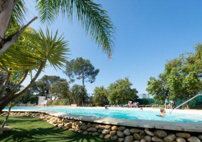 Camping zwemparadijs met palmbomen Hyères